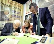 NURI PAKDIL - Başkan Büyükakın, Kitap Fuarında Nuri Pakdil'i Ziyaret Etti