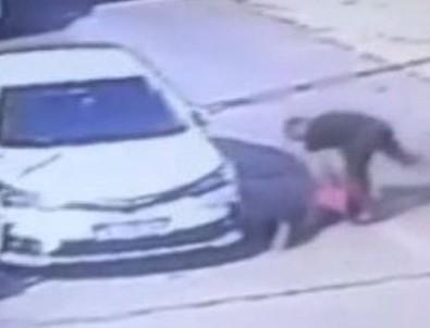 Aracına erik atan çocuğu döven şahsa ev hapsi