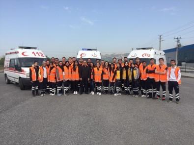 Öğrencilere Ambulans Sürüş Teknikleri Eğitimi Verildi