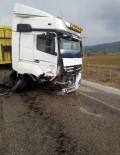 Denizli'de Trafik Kazası 1'İ Ağır 2 Yaralı