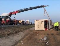 Denizli'de yolcu otobüsü devrildi: 2 ölü, 22 yaralı