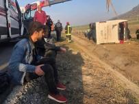 Devrilen Otobüsteki Yolcular Kazaya Uyudukları Esnada Yakalandı