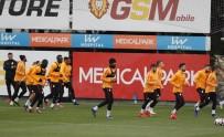 YUTO NAGATOMO - Galatasaray Taktik Çalıştı