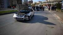 ŞEYH ŞAMIL - (Özel) Kartal'da Orta Refüjden Atlayan Araç Karşı Şeride Girdi Açıklaması 1 Yaralı