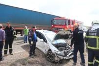 Aksaray'da 2 Otomobil Çarpıştı Açıklaması 5 Yaralı