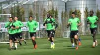 KAYACıK - Atiker Konyaspor, M. Başakşehir Maçının Hazırlıklarını Sürdürdü