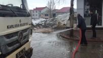 Kışın Çetin Geçtiği Karlıova'da Basınçlı Su İle Temizlik