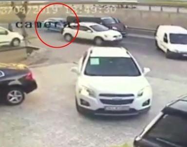 Dikkatsiz sürücü dehşeti kamerada!