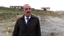 TAŞIMALI EĞİTİM - Heyelanda Eski Okul Binası Çöktü