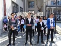 Havran'da Liseliler Kansere Dikkat Çekmek İçin Yürüdü