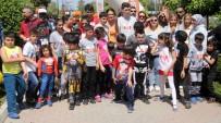 ÇİZGİ FİLM - Portakal Çiçeği Kostümlü Aile Koşusu