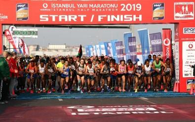 Vodafone İstanbul 14. yarı maratonu başladı