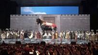 ANKARA DEVLET OPERA VE BALESİ - Bolşoy Tiyatrosu'nda Türk Operası 'Troya' Sahnelendi