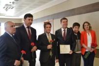 Burdur Belediye Başkanı Ali Orkun Ercengiz Mazbatasını Aldı