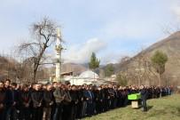 ÖLÜM HABERİ - Cenaze Cemaati Köye Sığmadı