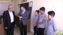 Öğrencilerin Yolda Bulduğu Para Sahibine Teslim Edildi