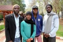 OSMAN YıLMAZ - Profesyonel Futbolcu Olacaklardı Aç Susuz Ortada Kaldılar