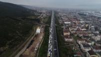 TRAFİK YOĞUNLUĞU - TEM'de Feci Kaza Açıklaması 20 Kilometrelik Araç Kuyruğu Oluştu