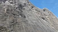 Yusufeli'nde Kaya Düşmelerine Çelik Hasırlı Önlem
