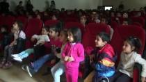 BİRİNCİ SINIF - Çukurca'da 'Hacivat Ve Karagöz' Sahnelendi