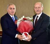 BAYRAK YARIŞI - Fatih Belediye Başkanı Seçilen Mehmet Ergün Turan, Görevi Devraldı