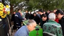 ORTAKENT - Kazada Ölen Kadın Motosiklet Sürücüsü Gözyaşlarıyla Uğurlandı