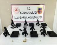 SİLAH FABRİKASI - Konya'da 7 Adet Glock Marka Silah Kaçak Yolla Satılırken Ele Geçirildi
