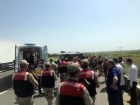 SUBAŞı - İşçileri Taşıyan Otobüs Devrildi Açıklaması 5 Ölü, 14 Yaralı
