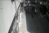 (Özel) Kapkaççılar Önce Kameralara, Sonra Polise Yakalandı