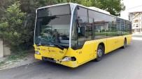 Sultanbeyli'de Halk Otobüsü Polis Aracına Çarptı Açıklaması 2 Polis Yaralı