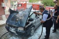Tokat'ta Park Halindeki Otomobil Yandı