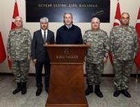 Bakan Akar ve komutanlar Suriye sınır hattında