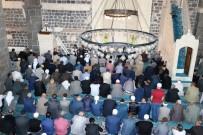Diyarbakır'da Ramazan Ayının İlk Cuma Namazı Kılındı