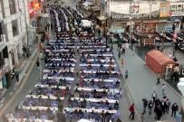Kilis'te Kardeşlik Sofrasında 5 Bin Kişi İftarını Açtı
