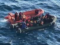 KAÇAK GÖÇMEN - Kuşadası Körfezi'nde 'Drone' İle Tespit Edilen 41'İ Çocuk 107 Kaçak Göçmen Yakalandı