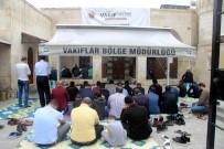 Ramazanın İlk Cuma Namazında Cemaat Camilere Sığmadı