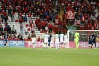 HÜSEYIN GÖÇEK - Spor Toto Süper Lig Açıklaması Antalyaspor Açıklaması 0 Bursaspor Açıklaması 1 (Maç Sonucu)