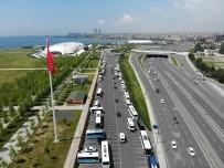 Binali Yıldırım'ın Müjdeyi Verdi, Vatandaşlar Konvoyla Kutladı