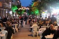 Çan'da Vatandaşlar Ve  Esnaflar İftar  Verdi