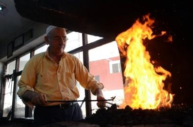 Demircilerin 'Sıcak Ateş' Ve 'Oruçla' İmtihanı