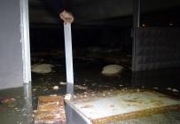 YAĞAN - Dükkanını Su Basan İş Yeri Sahibi Gözyaşlarına Hâkim Olamadı