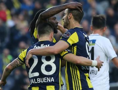 Fenerbahçe alt sıralardan uzaklaştı!