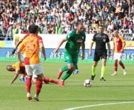 RIZESPOR - Galatasaray Uzatmalarda Kazandı