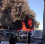 İTFAİYE ARACI - İzmir'de Rüzgar Gülü Üretim Fabrikasında Yangın