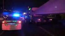 İZMIR ADLI TıP KURUMU - İzmir'de Trafik Kazası Açıklaması 1 Ölü