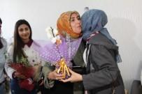 Annelerinden Uzak Olan Öğrenciler Şehit Annelerini Unutmadı