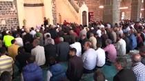 Diyarbakır'ın Tarihi Camileri Mukabele Halkalarıyla Şenlendi