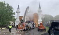 CONNECTICUT - ABD'de Bir Camide Yangın Çıktı