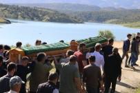 BOLAT - Baraj Gölünde Boğulan 3 Çocuk Toprağa Verildi
