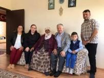MURAT DURU - Kaymakam Duru Anneler Gününde Şehit Ailelerini Ziyaret Etti